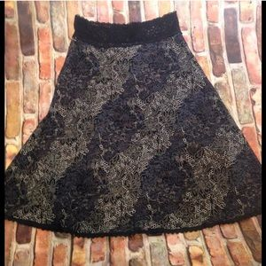 Small lace a line floral lace cabi skirt lined